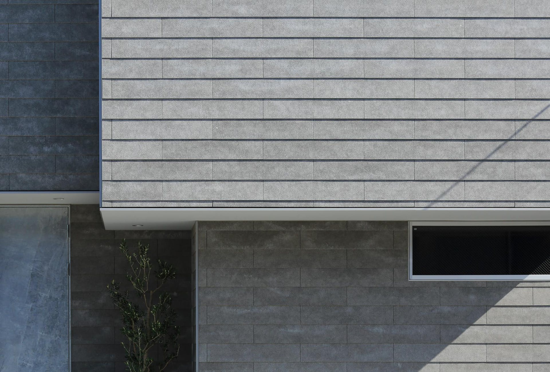 HOUSE_E(Ploot Architects & Associates)