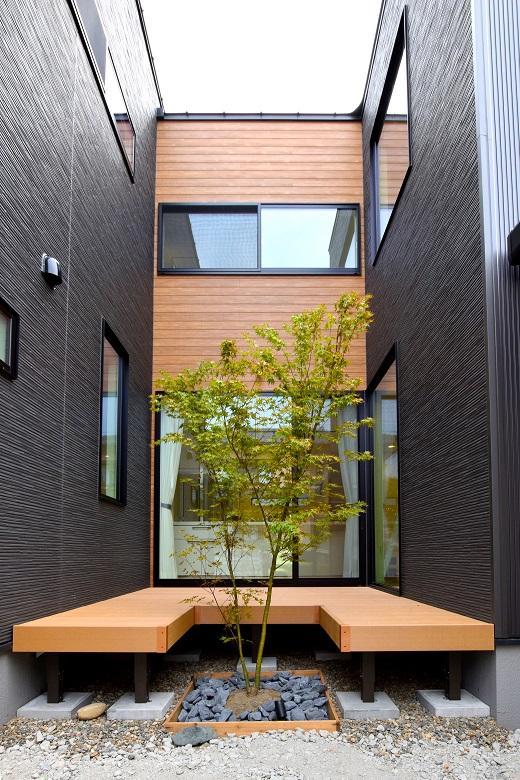 広がりをつくる中庭のある家(DETAIL HOME)