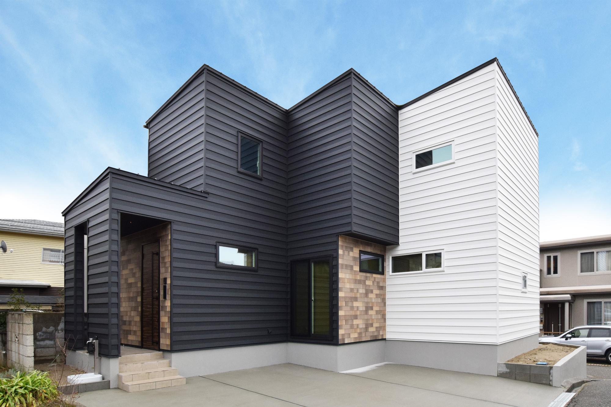 敷地を活かす凹凸の家(DETAIL HOME)