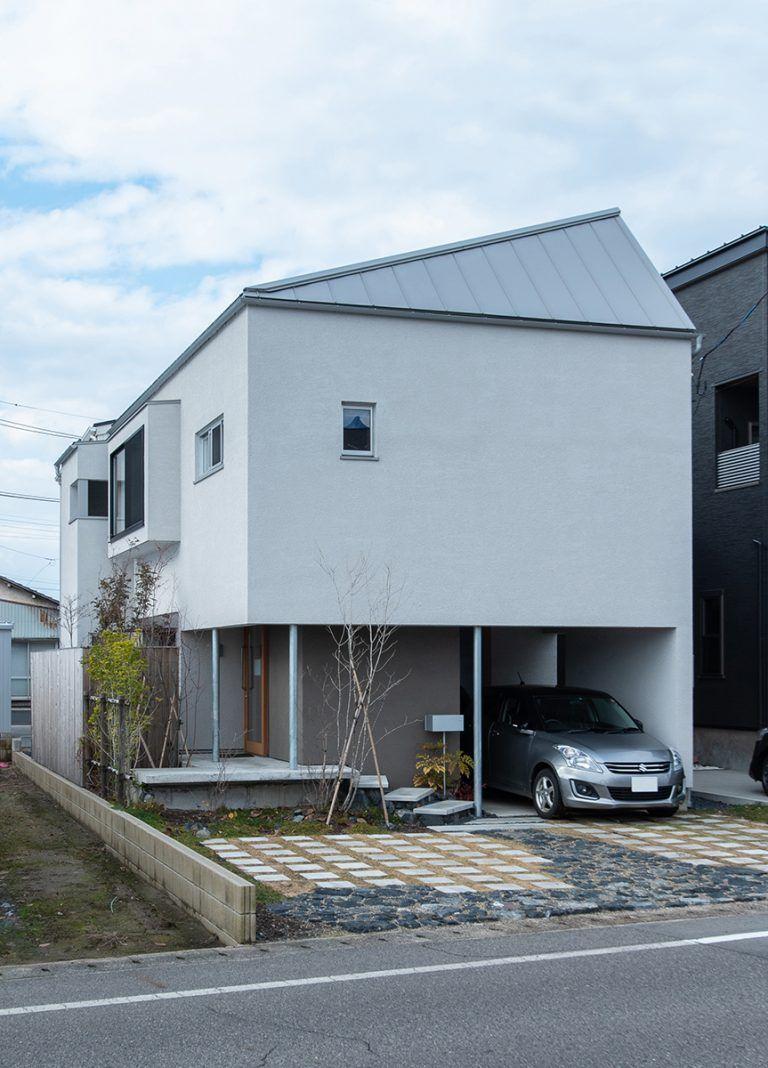 出窓の家(株式会社あかがわ建築設計室)