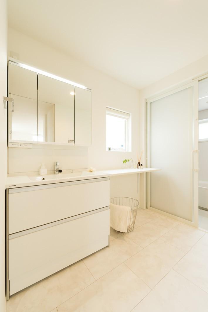 「白×木×緑」で彩ったシンプルな家(フクダハウジング株式会社)